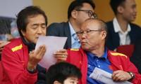 Hết hạn cách ly, thầy Park dự khán các trận đấu V-League