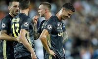 Nhận thẻ đỏ, Ronaldo bị phạt mua iMac cho toàn đội
