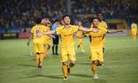 Chân dung cầu thủ 'phá' hỏng tiệc sinh nhật của Hà Nội FC