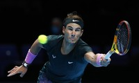 """Nadal gục ngã trước Dominic Thiem sau hai loạt """"đấu súng"""""""