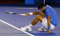 Djokovic tức giận vì bị chỉ trích giả chấn thương tại Australia Open