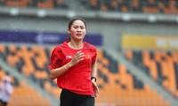 Nhà vô địch SEA Games hoãn tuần trăng mật để dự Tiền Phong Marathon