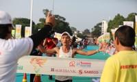 Hoàng Nguyên Thanh bảo vệ thành công ngôi vô địch marathon