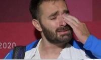Lực sĩ Hy Lạp bật khóc trên sóng truyền hình, tuyên bố giải nghệ vì 'quá nghèo'