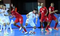 Văn Hiếu (số 14) ghi bàn ấn định tỷ số 3-2 cho ĐT futsal Việt Nam.