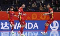 Đắc Huy ăn mừng bàn thắng vào lưới đội tuyển futsal Nga