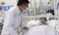 Một bệnh nhân ngộ độc Pate Minh Chay được cấp cứu ở BV Chợ Rẫy