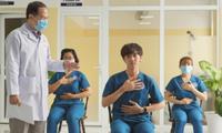 Bệnh nhân COVID-19 cần làm gì để hồi phục chức năng phổi?
