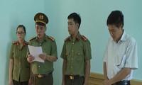 Cơ quan An ninh điều tra đọc lệnh khởi tố ông Trần Xuân Yến.