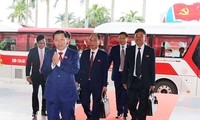 Ông Nguyễn Nhân Chiến (đi đầu) không tham gia Ban chấp hành Đảng bộ tỉnh Bắc Ninh khóa mới