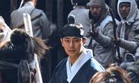 """Fan hụt hẫng khi phần ngoại truyện """"Vương Triều Xác Sống"""" của Joo Ji Hoon hoãn vô thời hạn"""