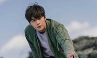 """Thời tới cản không kịp, Kim Seon Ho """"chốt đơn"""" làm võ sĩ quyền Anh phim điện ảnh đầu tay"""