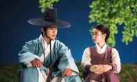 """""""Bầu Trời Rực Đỏ"""": Sau 19 năm xa cách, Ahn Hyo Seop và Kim Yoo Jung trao nhau nụ hôn đầu"""