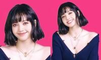 VOGUE tung video nhá hàng bìa Lisa BLACKPINK nhưng netizen lại chú ý đến cái cúc áo