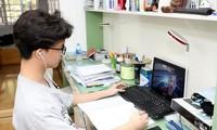 Nhà trường được tự tổ chức dạy học trực tuyến, điều kiện thế nào?