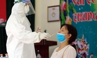 Hà Nội phun khử khuẩn quanh hồ Gươm, Đồng Nai chuẩn bị bệnh viện dã chiến số 7