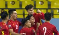 Dù ĐT Việt Nam thua ĐT chủ nhà Saudi Arabia nhưng Quang Hải đã có pha ghi bàn quá đẹp mắt!