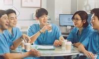 """Phim đang hot """"Hospital Playlist"""": Hé lộ tính cách """"5 không"""" của hội bác sĩ tài hoa"""
