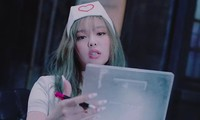 """Mặc đồ y tá cho Jennie trong """"Lovesick Girls"""", stylist của BLACKPINK bị chê thiếu nhạy cảm"""