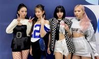 """Stylist BLACKPINK bị chê cẩu thả vì cho Jisoo mặc phần áo quá """"tả tơi"""" lên sân khấu"""