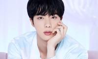 Ảnh teaser của Jin (BTS) lấp lánh toàn đá quý nhưng gây sốc nhất lại là món đồ này