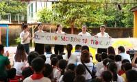 Dự án Nhân ái của Hoa Hậu Việt Nam 2020 đưa sách tới các em nhỏ trường Tiểu học Bù Cà Mau