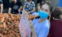 """Á hậu Phương Anh cùng dàn người đẹp chung tay """"giải cứu"""" 5 tấn nông sản Hải Dương"""