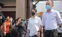 Thu Trang, Tiến Luật cùng nhiều nghệ sĩ đến viếng và tiễn đưa cố nghệ sĩ Chí Tài