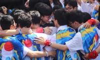 """TỐC 1720 - """"Kết thúc đẹp"""" của thế hệ 17-20 trường THPT chuyên Lê Hồng Phong (TP.HCM)"""