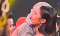 """Rap Việt: Gừng - Rapper trẻ """"cay nồng"""" khiến HLV Suboi """"cay mắt"""" vì tiếc nuối"""