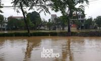 Thành phố Huế ngập sâu trong biển nước, dự đoán lũ còn tiếp tục kéo dài nhiều ngày tới