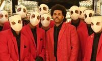 """Super Bowl Halftime Show 2021: The Weeknd một mình """"cân team"""", H.E.R hát mở màn ngọt như mía lùi"""