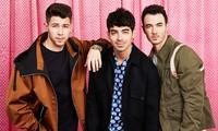 Bắt tay với Karol G, Jonas Brothers lộ rõ tham vọng tấn công thị trường nhạc Latin?