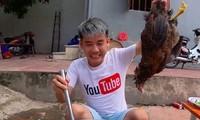 Con trai Bà Tân Vlog bị phạt 7,5 triệu đồng vì làm clip nấu cháo gà nguyên lông phản cảm
