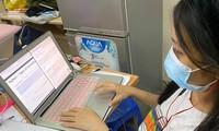 Hàng loạt trường Đại học tại TP.HCM thông báo cho sinh viên chuyển sang hình thức học online