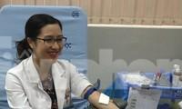 Bác sĩ bệnh viện Từ Dũ tham gia hiến máu mùa dịch Covid-19