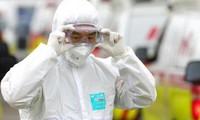Lực lượng Kiểm dịch y tế quốc tế TPHCM kiểm tra thân nhiệt hành khách đi tàu ở ga Sài Gòn.