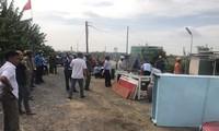 Đoàn cưỡng chế của UBND xã Phong Phú phá dỡ các công trình sai phép tại KCN Phong Phú.