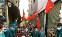 Người dân Sài Gòn vui mừng khi hết thời gian phong tỏa, cách ly chống COVID-19.