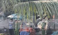 Lực lượng chức năng khám nghiệm điều tra vụ việc.