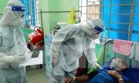Các F0 khỏi bệnh chăm sóc F0 tại Bệnh viện Dã chiến điều trị COVID-19 số 1 Phú Nhuận.
