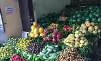 'Cháy hàng' thực phẩm, rộ mốt hoa mẹt cúng rằm tháng 7