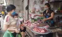 Sau chỉ đạo giảm giá, thịt lợn tại chợ truyền thống và siêu thị vẫn cao