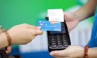 Thẻ chip mã hóa thông tin để tăng bảo mật dữ liệu, thanh toán an toàn, không tiếp xúc