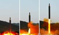 Tên lửa Hwasong-12 được Triều Tiên phóng hôm 14/5. Ảnh: Yonhap