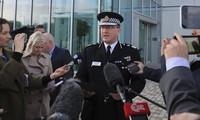 Ông Ian Hopkins phát biểu trước báo giới sáng 23/5. Ảnh: AP