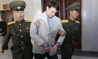 Otto Warmbier trong một phiên xét xử ở Triều Tiên. Ảnh: AP