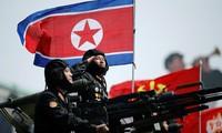 Binh sĩ Triều Tiên tham gia diễu binh tại Bình Nhưỡng ngày 15/4/2017. Ảnh: Reuters