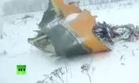 Tận thấy hiện trường vụ máy bay Nga chở 71 người rơi gần Moscow