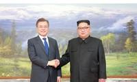 Báo Triều Tiên đăng ảnh hiếm về cuộc gặp của lãnh đạo Hàn - Triều